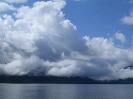 Небо, облака, озеро